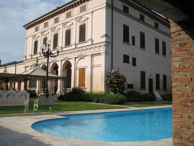 Villa cavriani roncoferraro mantova - Piscina mantova ...