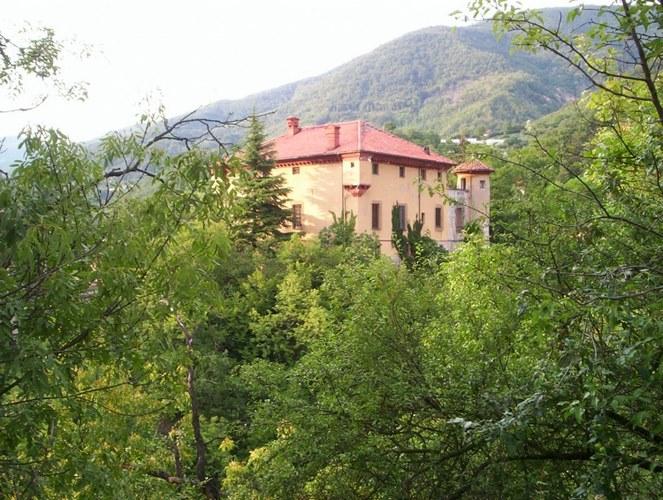 Castello spinola isola del cantore genova - Castello di casanova elvo ...